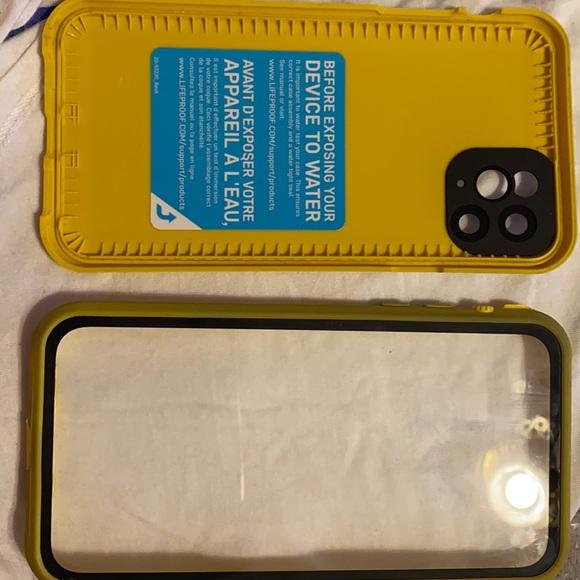 iPhone 11 Pro Max LifeProof FRĒ SERIES case
